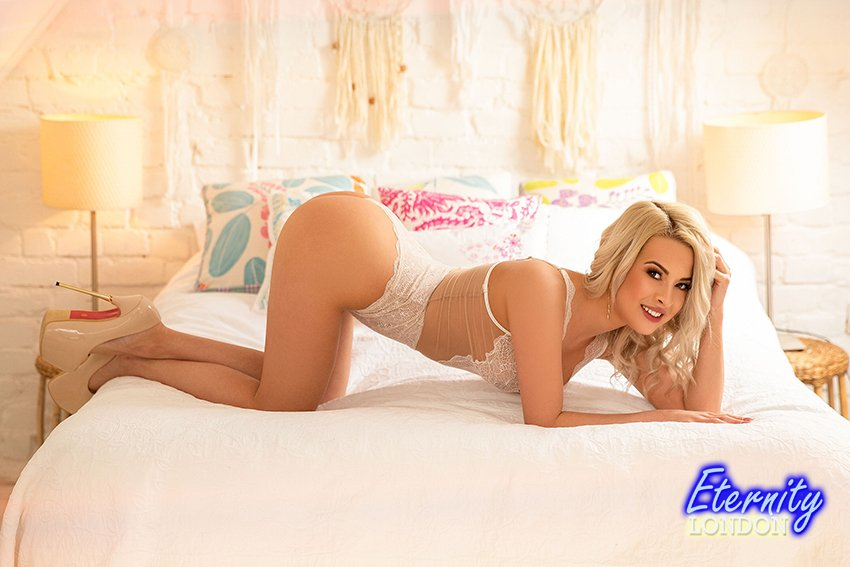 Blonde Gloucester Road SW7 London Escort Girl