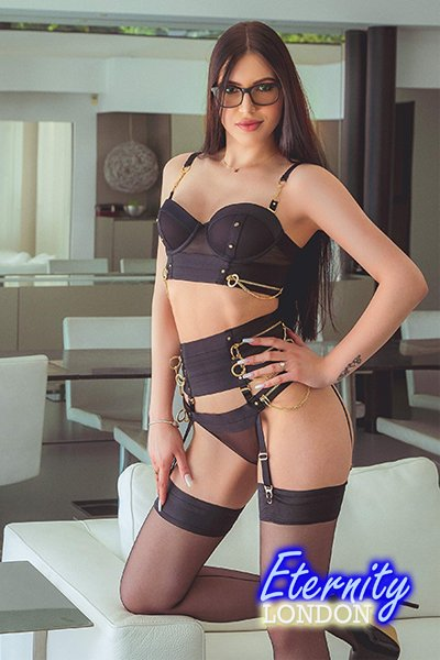 Brunette South Kensington SW7 London Escort Girl