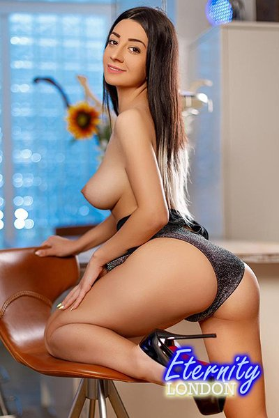 34B Party Domination Massage Couples London Escort Rebecca