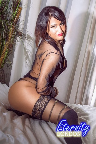 Brunette Marylebone NW1 London Escort Girl
